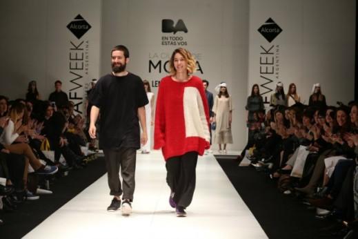 Martorello y Lena  cerrando su desfile en BAFWeek